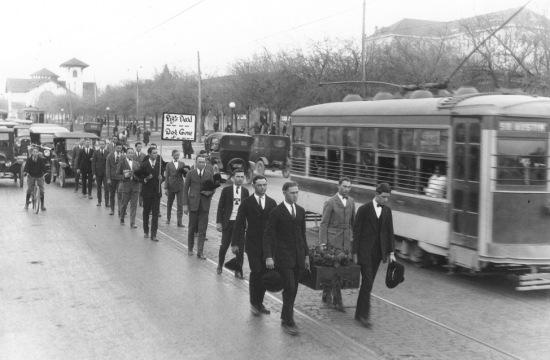 pig-bellmont-funeral-procession-jan-5-1923-2